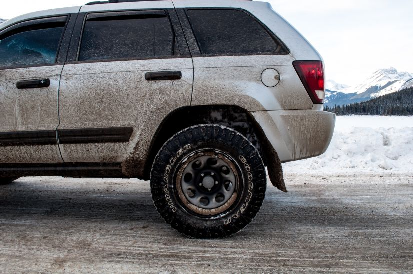 Beast Lifted Jeep WK1 Grand Cherokee Dirty Muddy