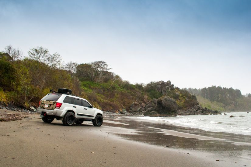 Jeep Grand Cherokee 2006 WK1 Lifted Offroading Beach
